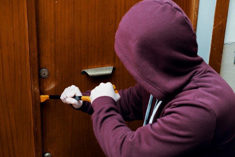 Burglars say home security systems deter burglars